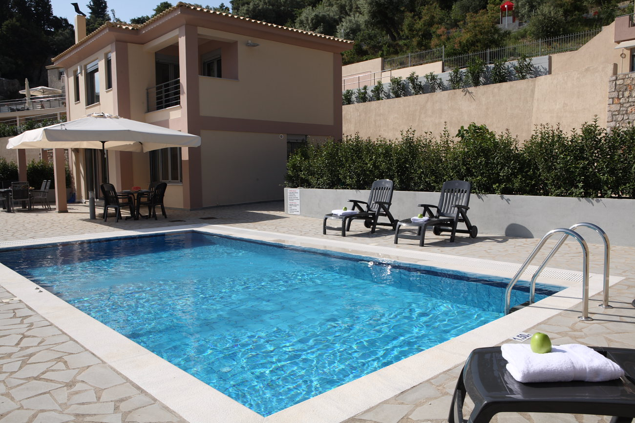 See Lefkas Luxury Villa With Private Pool For Up To 6