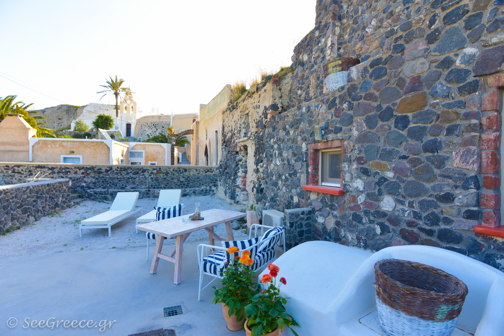 Relax In Santorini At Our Private Residence With Parking