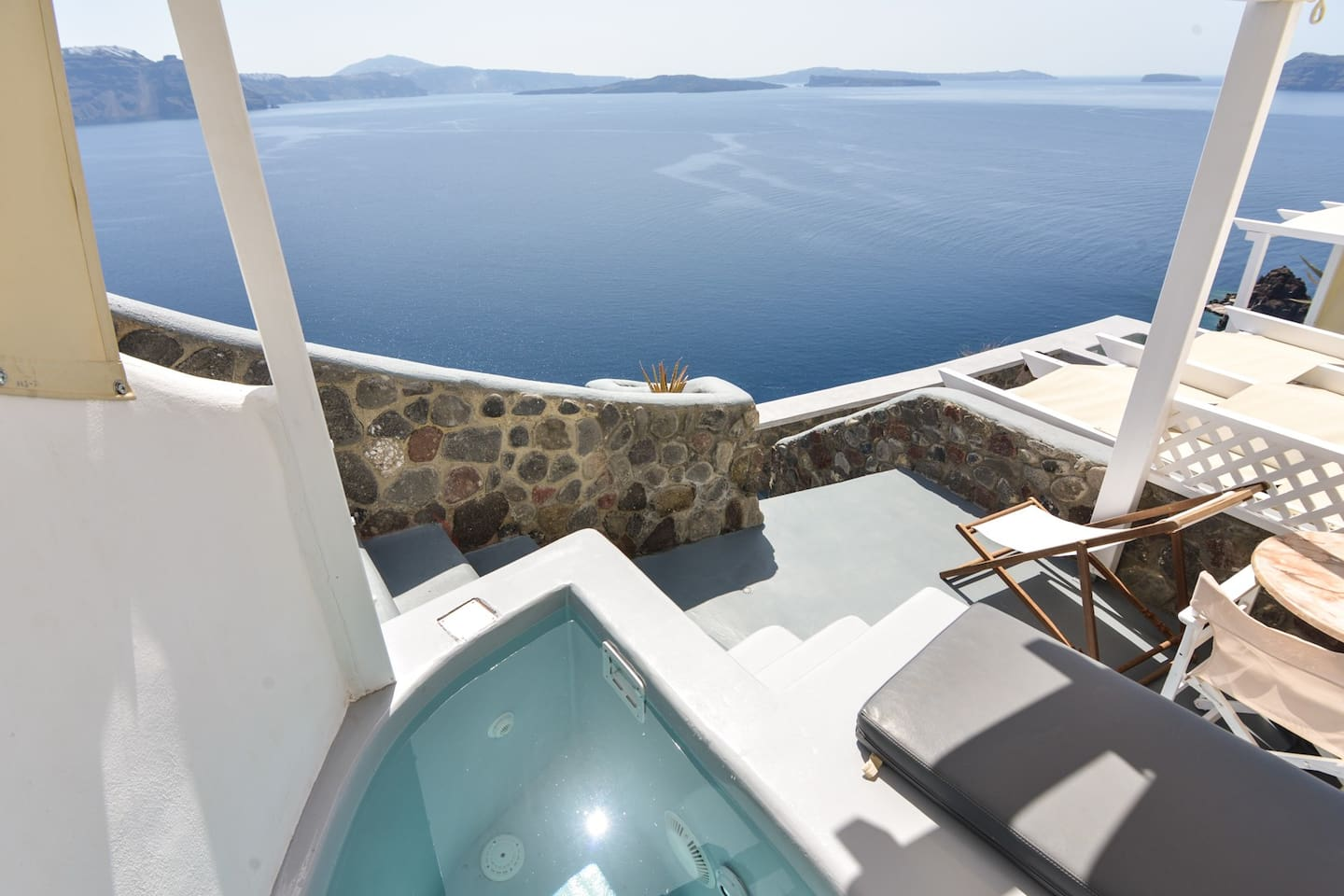 Romantic Suite In Oia, Santorini With Private Jacuzzi And Sea View